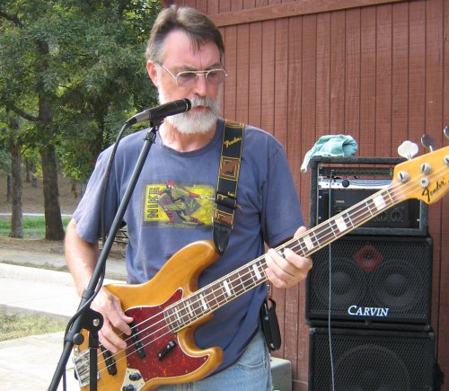 george_hinds_bass-832.jpg